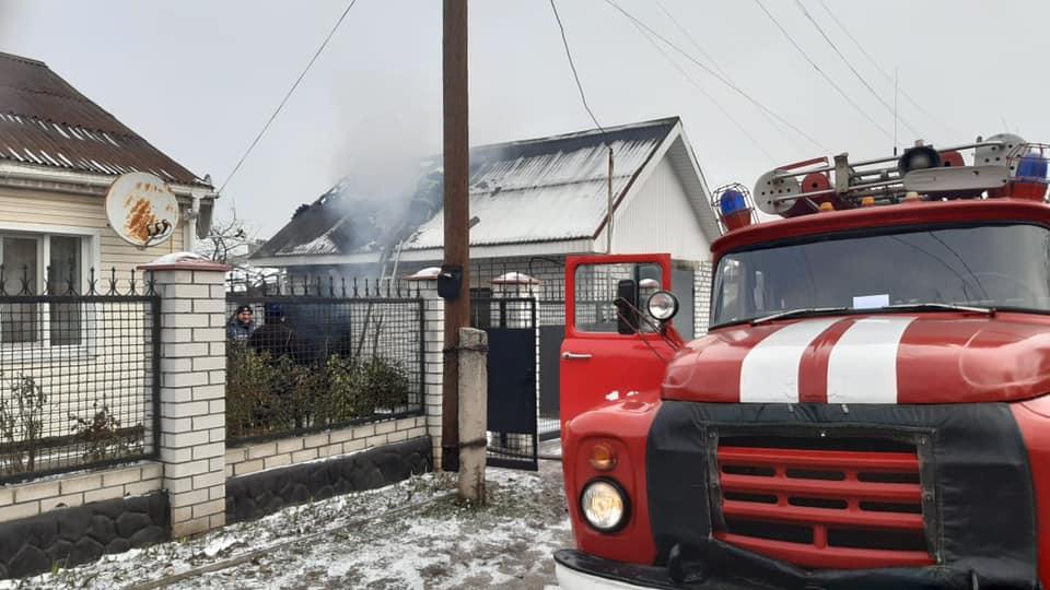 На Черкащині через коротке замикання горів гараж (фото)