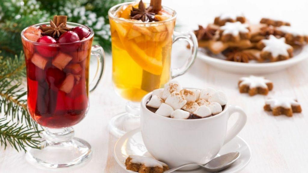 Не лише глінтвейн: ТОП-12 бюджетних напоїв, які зігріють черкащан взимку