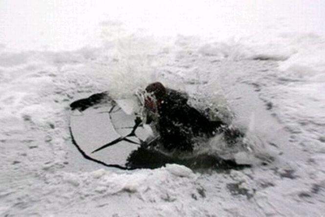 Під час зимової риболовлі на Черкащині загинули батько та син