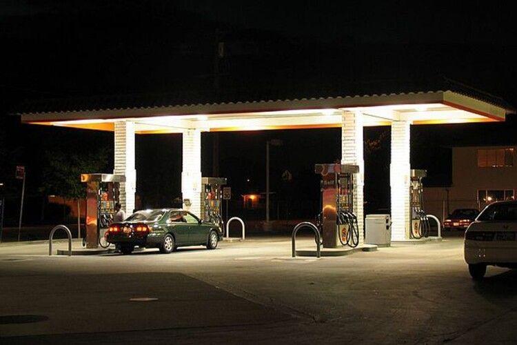 На Черкащині п'яний чоловік пограбував автозаправку