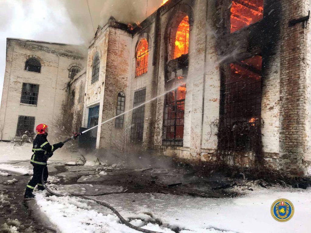 На Черкащині ледь не згорів цукровий завод