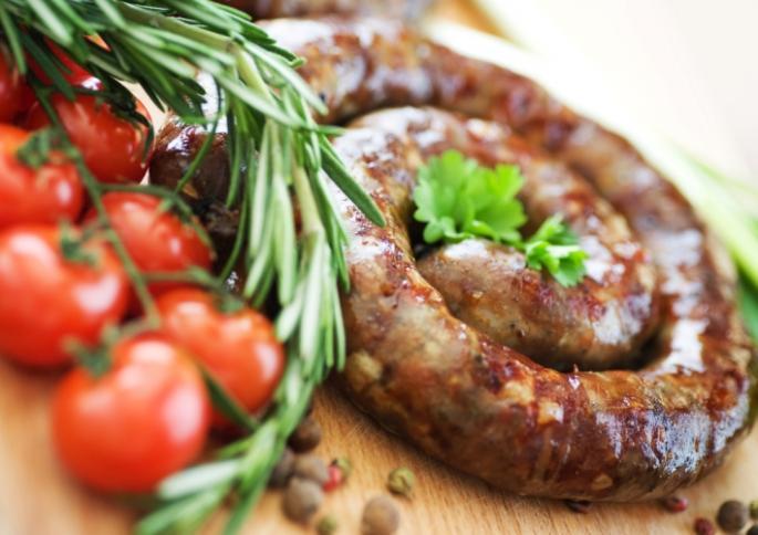 На Черкащині жінку ввели у штучну кому через з'їдену ковбасу