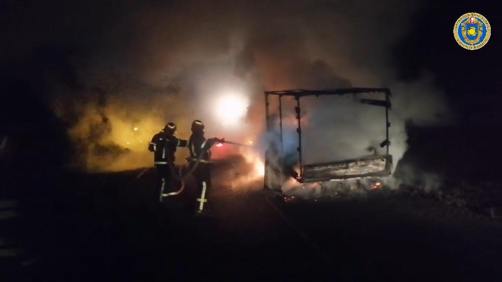 На Уманщині під час руху загорівся автомобіль