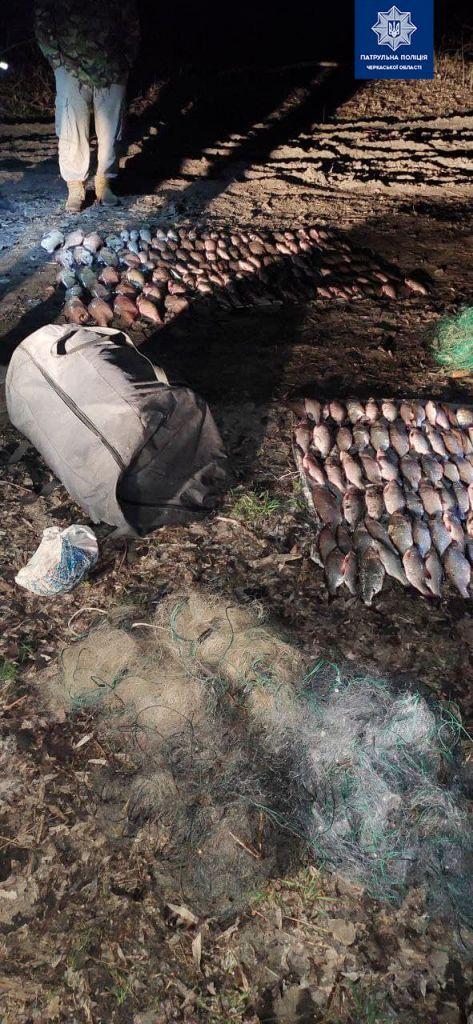 Протягом ночі на Черкащині впіймали двох браконьєрів (ФОТО)