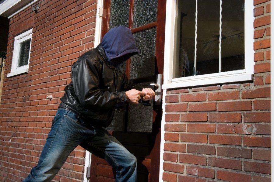 Правоохоронці затримали черкащанина, який обкрадав будинки односельців