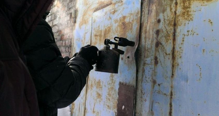 Уманчанина засудили за крадіжку автомобільного компресора та інструментів