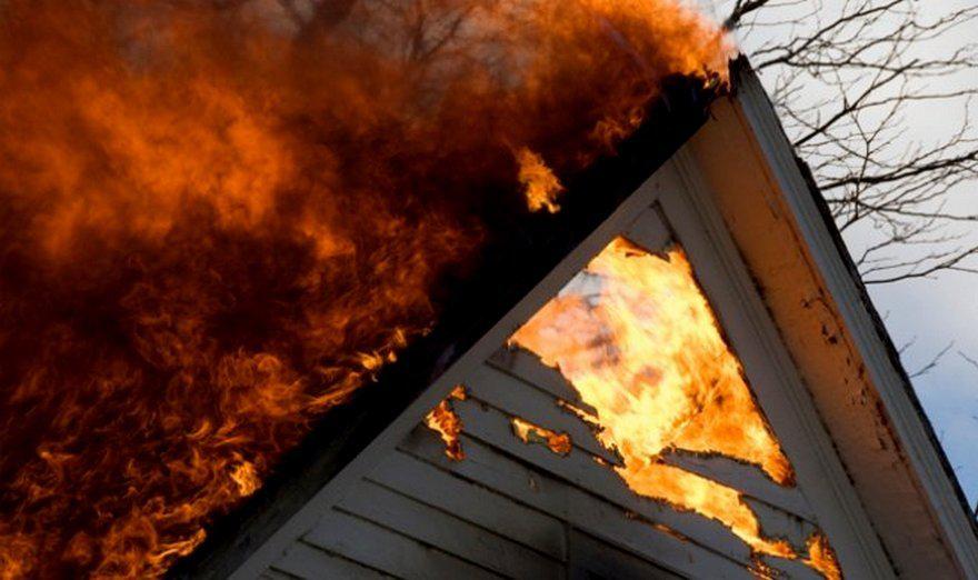 У Жашкові через недопалок загорівся будинок