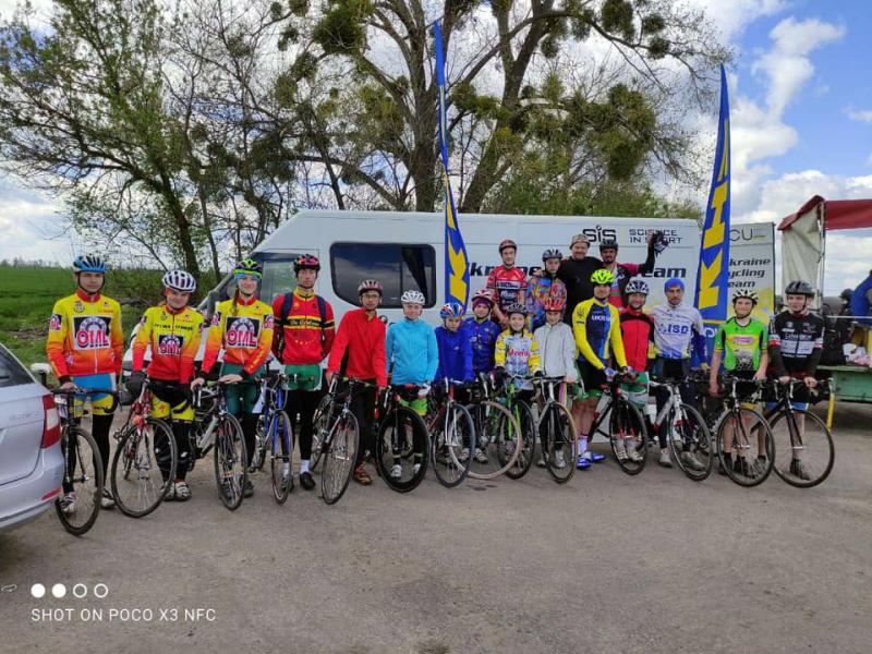 Черкаські велосипедисти у багатоденній гонці Кубку України виборили друге місце