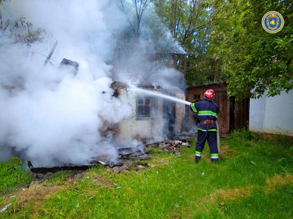 Через необережність на Черкащині згоріла будівля (ФОТО)