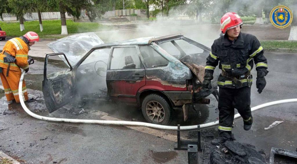 На Уманщині горів автомобіль (ФОТО)