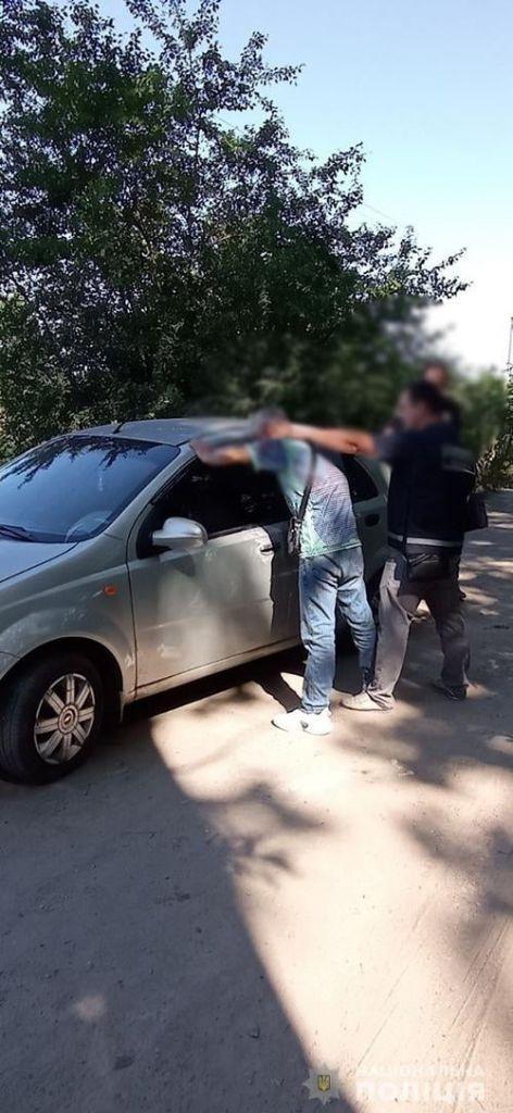 В Умані затримали пасажира, який викрав автівку в таксиста