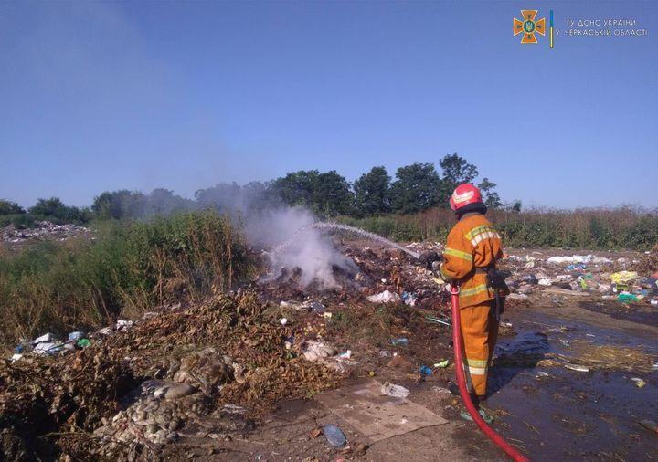 Черкаські рятувальники загасили чотири пожежі протягом вихідних