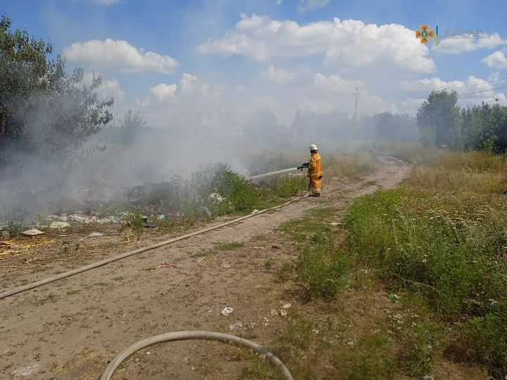 За добу рятувальники ліквідували на Черкащині п'ять пожеж