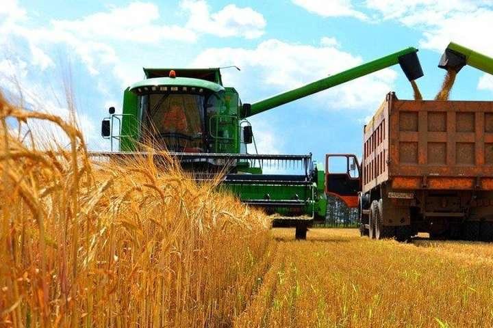 На Черкащині завершилися жнива ранніх зернових