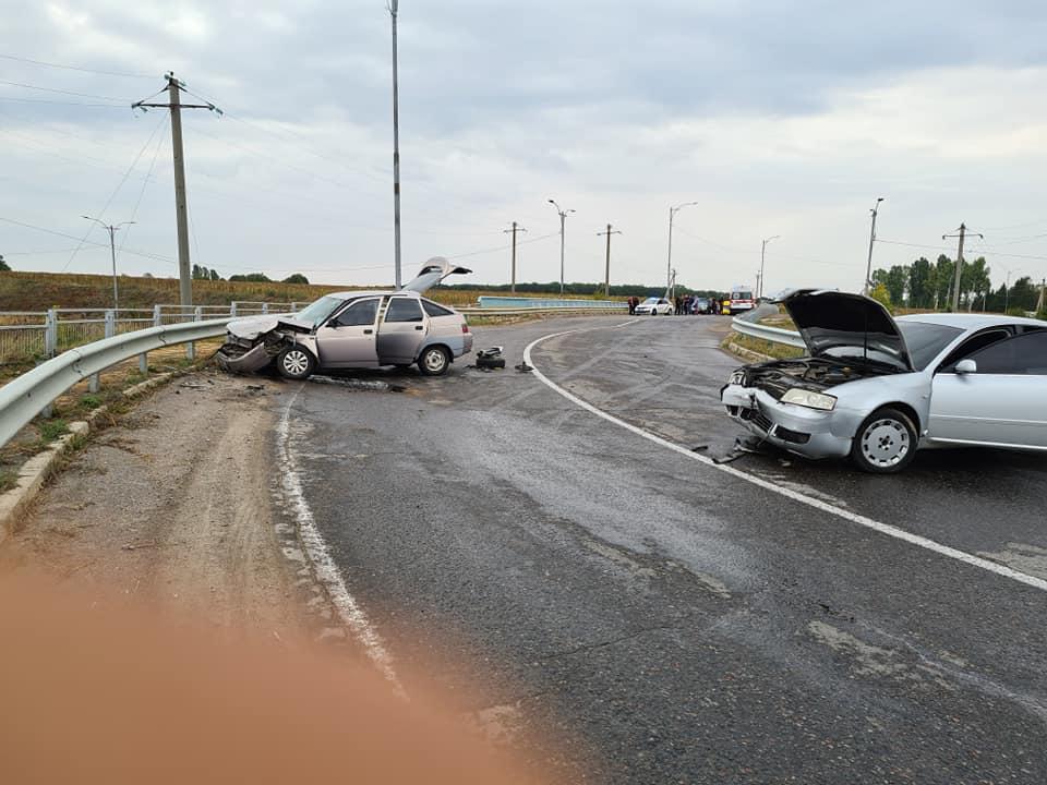В Умані в аварію потрапили двоє хасидів та родина черкащан