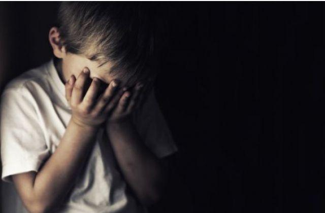 """""""Змушував дітей постувати та бив за непослух"""": на черкасця, який знущався з родини, відкрили кілька проваджень (ВІДЕО)"""
